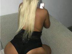 Escorte Ieftine: Blonda 😘😘😙👄22 de ani caut colega 😘😍